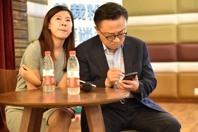 رصد الرئيس التنفيذي لسامسونج يستخدم هاتف Galaxy Note 9
