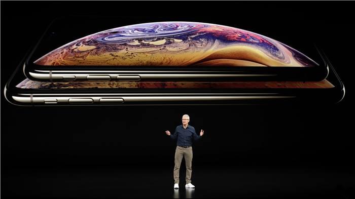 تيم كوك يزور الصين للمساعدة في مبيعات iPhone XS المخيبة للأمال