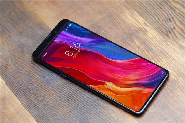 شاومى تؤكد بيع 100 مليون هاتف وتحقيق هدفها لعام 2018