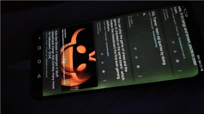 شاشة هاتف هواوي Mate 20 Pro تعاني من مشكلة ظهور لون أخضر على جوانبها
