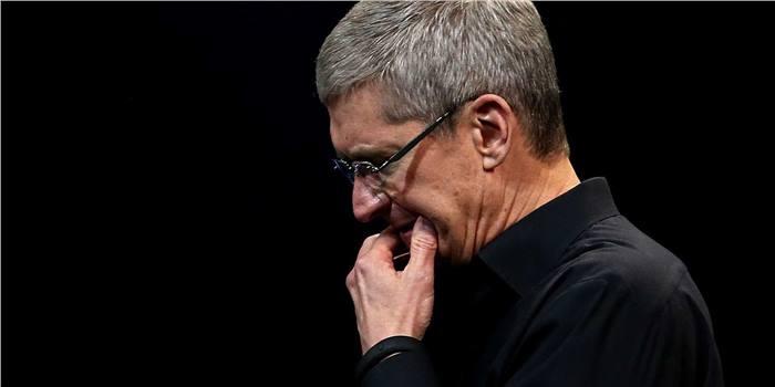 آبل تعترف رسمياً بضعف مبيعات هواتف آيفون الأخيرة وإنخفاض سهم الشركة بشكل كبير